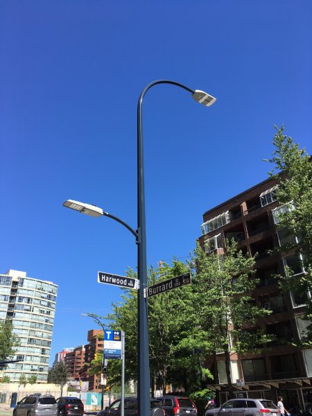 LED street light and 5G infrastructure