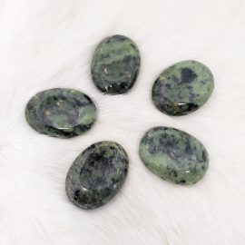 nephrite jade worry stone