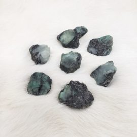 raw emerald tumble